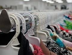 Revolução na indústria da moda. Vendas de roupa em segunda mão disparam